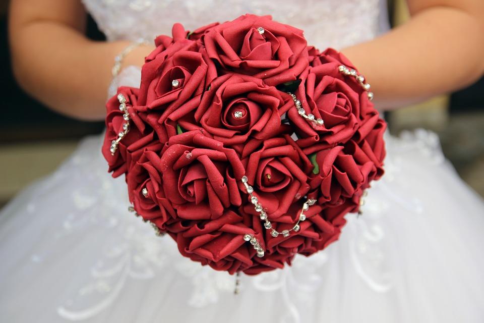 Mariée (fleur rouge)